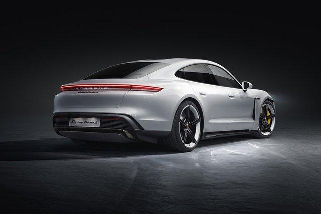 Електромобіль Porsche Taycan - фото 352647