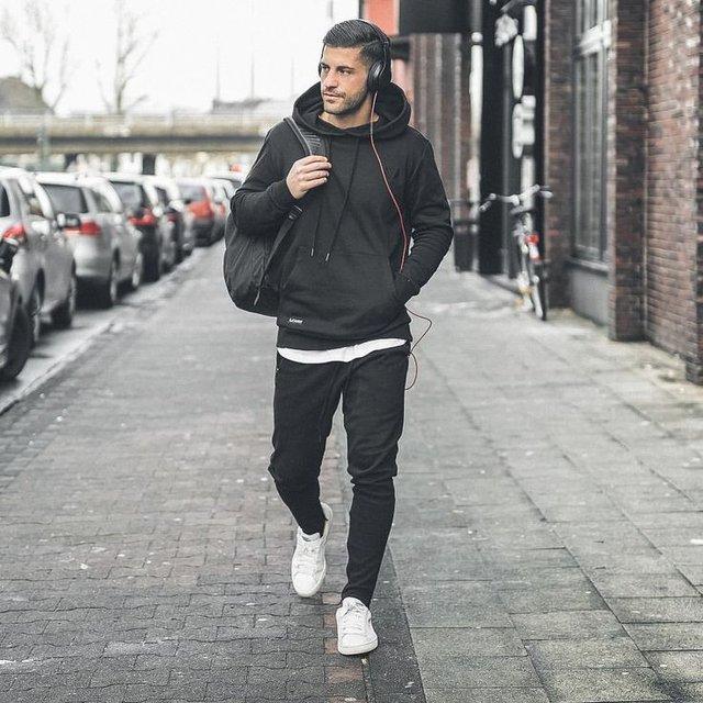 Чоловіча мода: головні тренди осені 2019 - фото 352819