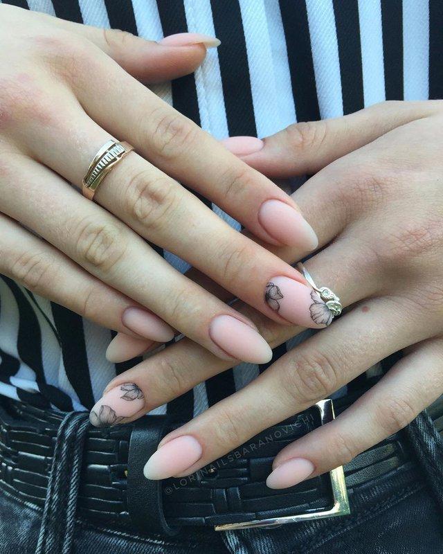 Манікюр на осінь 2019: модні тренди дизайну нігтів у фото - фото 352865