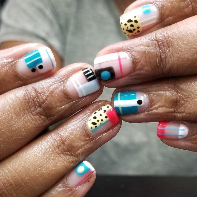 Манікюр на осінь 2019: модні тренди дизайну нігтів у фото - фото 352868