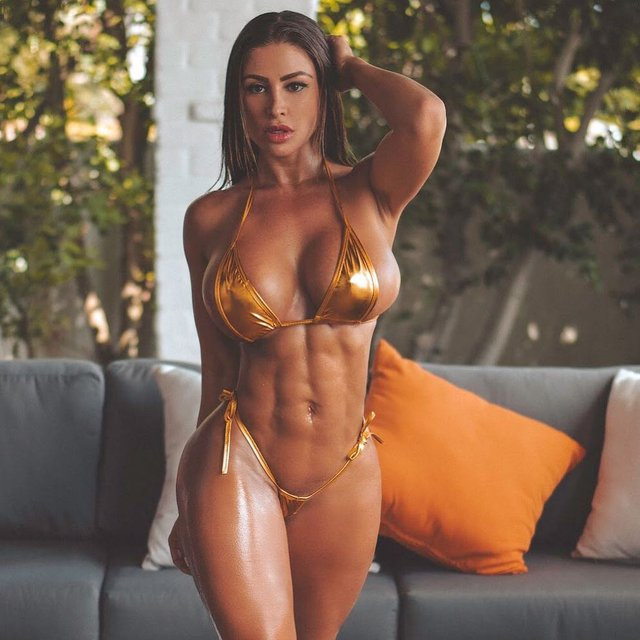 Дівчина тижня: розкута модель Playboy Франсія Джеймс, яка збуджує апетитними формами (18+) - фото 352999
