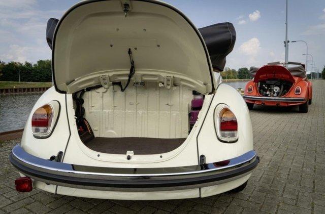 Volkswagen зробив з вінтажного 'Жука' електрокар - фото 353217