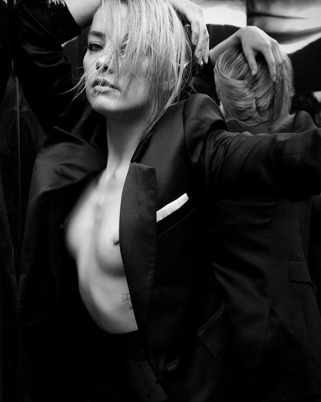 Зірка Аквамена Ембер Херд показала груди у провокаційній зйомці (18+) - фото 353462
