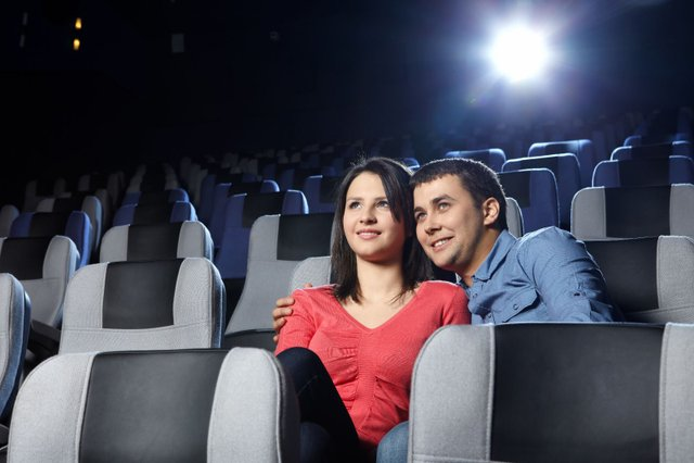 Ви ж теж думали про секс у кінотеатрі? - фото 353741