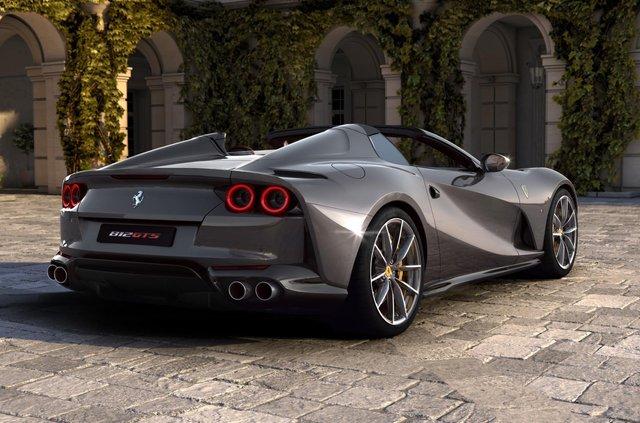 Ferrari представила найпотужніший у світі родстер - фото 353767