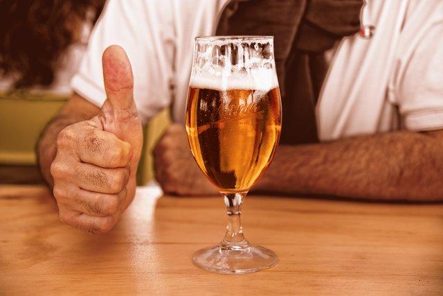 Популярні міфи про пиво, у які ми досі віримо - фото 353864