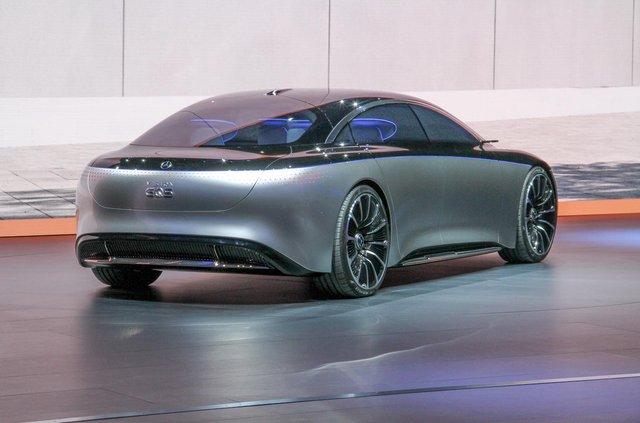 Mercedes-Benz представив розкішний Vision EQS - фото 353962
