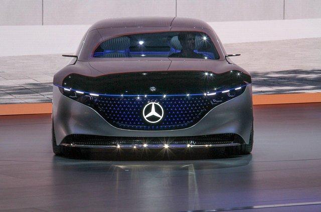 Mercedes-Benz представив розкішний Vision EQS - фото 353968