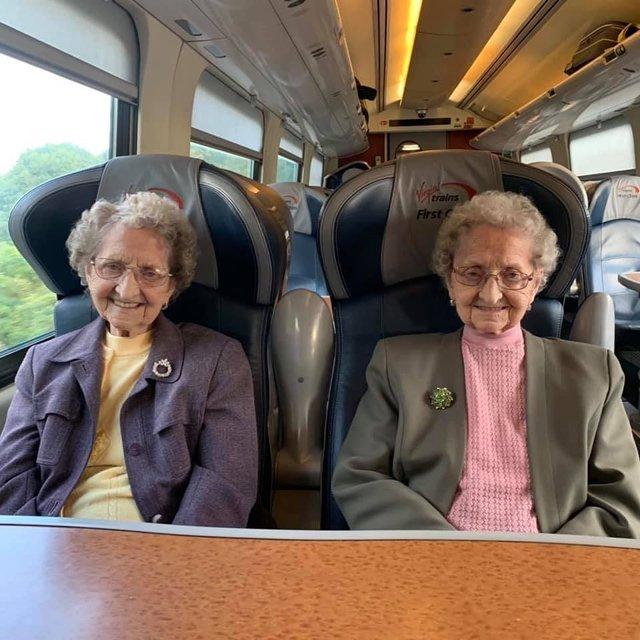 95-річні двійнята розкрили секрет довголіття: ви будете вражені - фото 354023