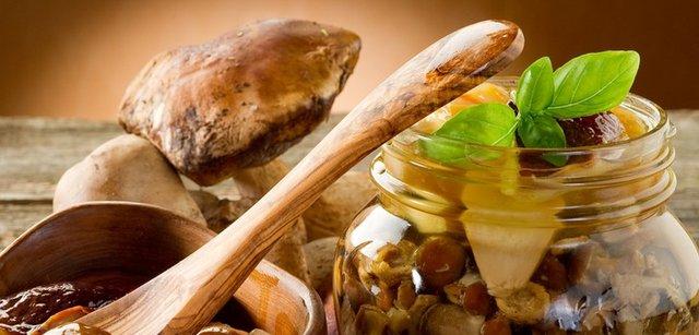 Мариновані гриби: 7 покрокових рецептів для всіх видів грибів з фото - фото 354034
