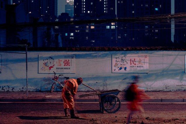 Кіберпанкові вулиці Шанхая: фото, які змушують затримати погляд - фото 354203