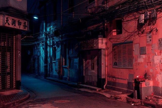 Кіберпанкові вулиці Шанхая: фото, які змушують затримати погляд - фото 354205