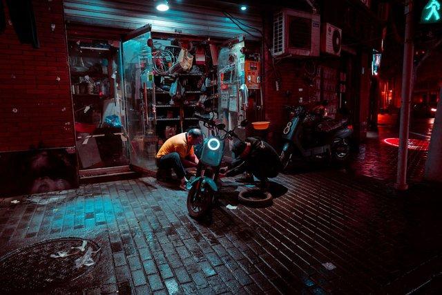 Кіберпанкові вулиці Шанхая: фото, які змушують затримати погляд - фото 354206