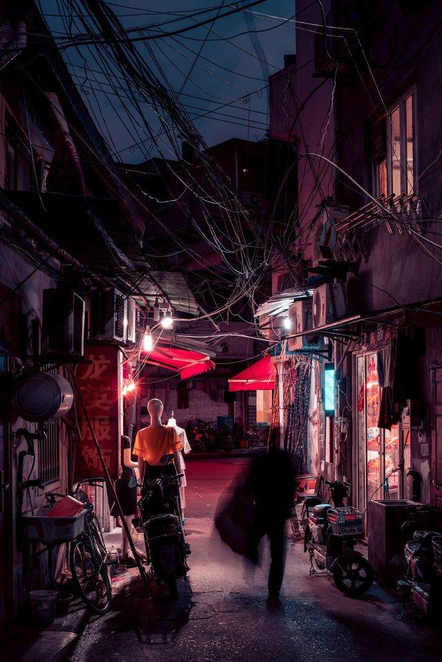 Кіберпанкові вулиці Шанхая: фото, які змушують затримати погляд - фото 354211