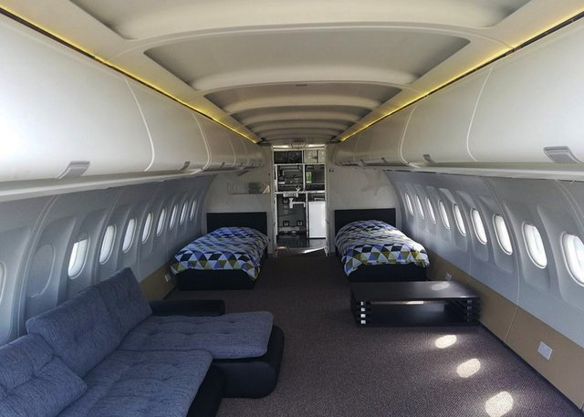 Старий літак перетворили на атмосферний готель - фото 354296