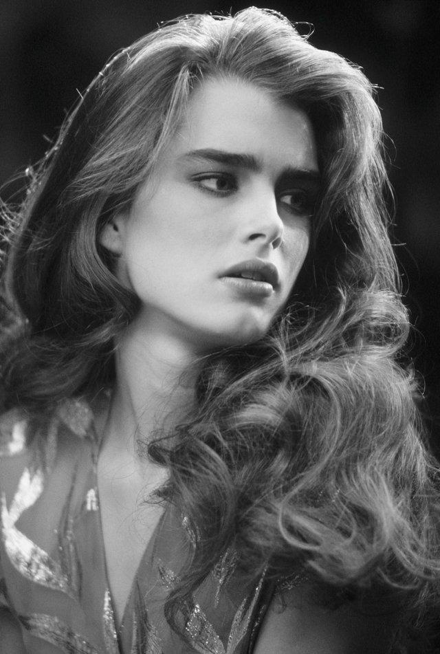 Моделі 90-х: як змінилася сексуальна американка Брук Шилдс (18+) - фото 354317
