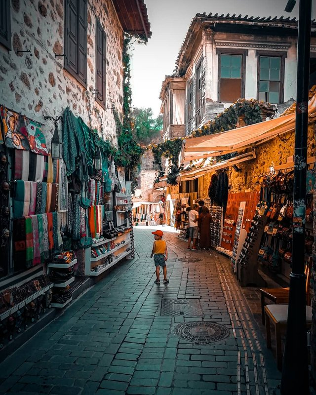 Студент робить на смартфон ефектні фото Туреччини - фото 354395
