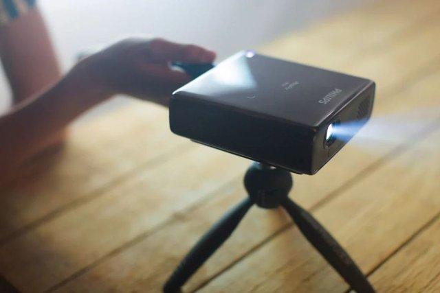 Philips презентувала 'кишеньковий' проектор - фото 354574