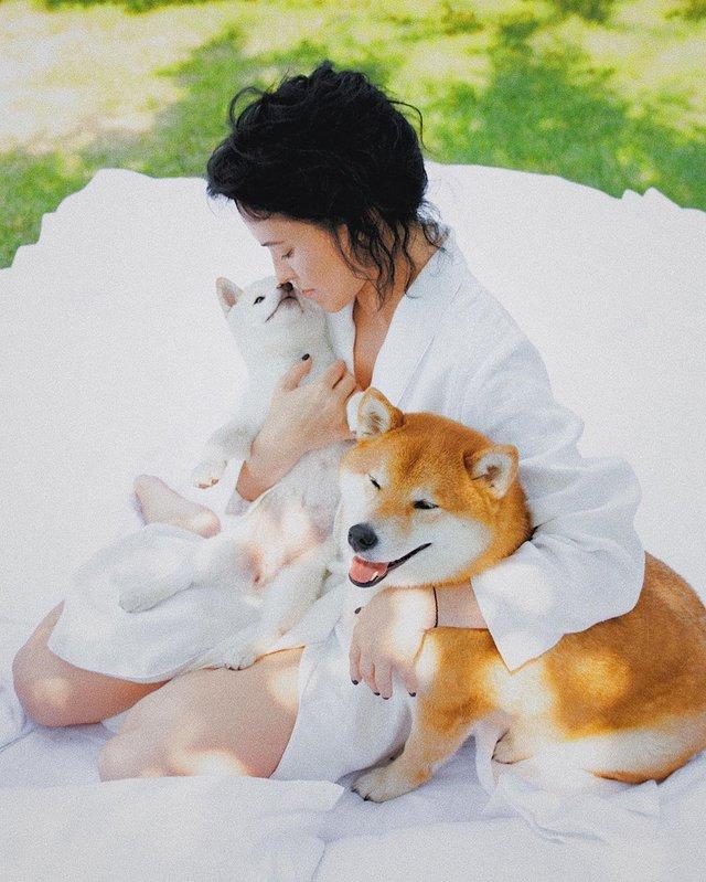 Даша Астаф'єва вразила чуттєвою фотосесією в ліжку - фото 354642