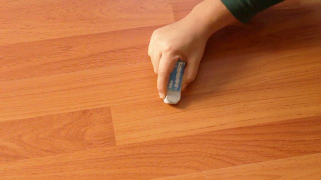 Як корисно використати шкільну гумку в побуті - фото 354847