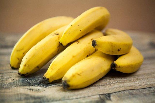 Скористайтесь шкіркою банана - фото 354973