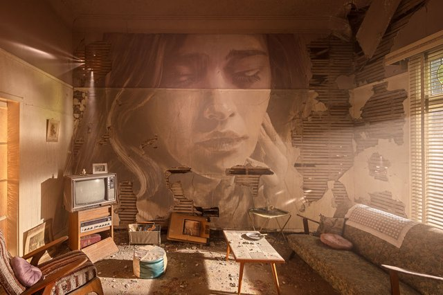 Дивовижні портрети жінок на стінах покинутих будинків - фото 355121