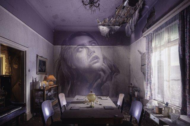 Дивовижні портрети жінок на стінах покинутих будинків - фото 355123
