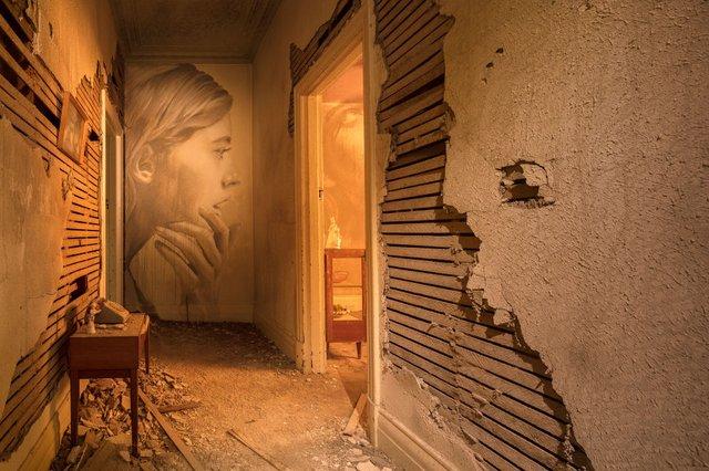 Дивовижні портрети жінок на стінах покинутих будинків - фото 355129