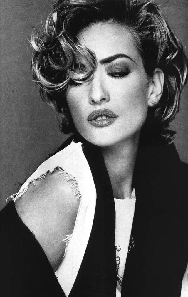 Моделі 90-х: як змінилася яскрава представниця 'великої шістки' Тетяна Патітц (18+) - фото 355198