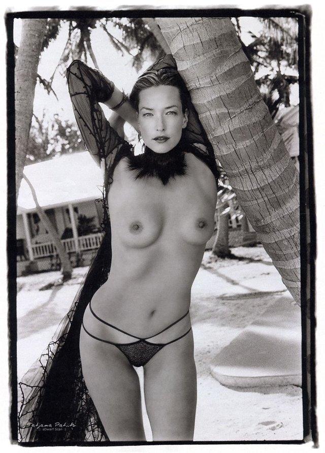 Моделі 90-х: як змінилася яскрава представниця 'великої шістки' Тетяна Патітц (18+) - фото 355427