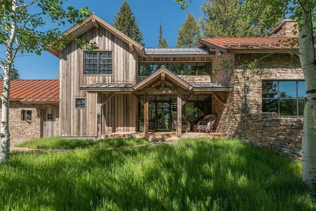 Як виглядає ідеальний дім для відпочинку на краю лісу (фото) - фото 355716