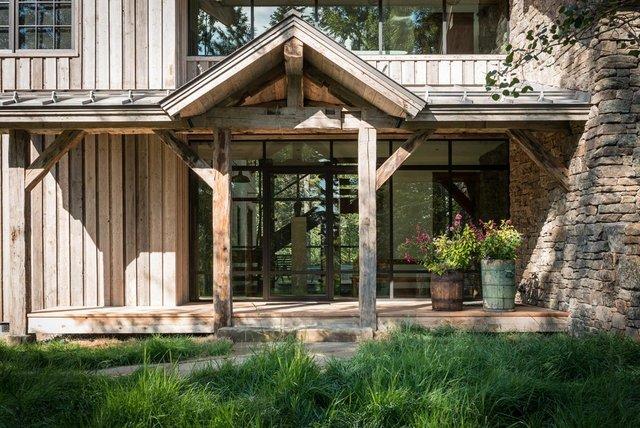 Як виглядає ідеальний дім для відпочинку на краю лісу (фото) - фото 355717