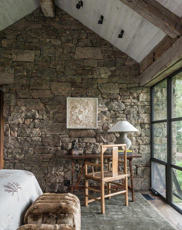 Як виглядає ідеальний дім для відпочинку на краю лісу (фото) - фото 355720