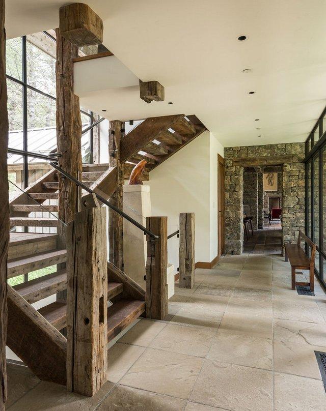 Як виглядає ідеальний дім для відпочинку на краю лісу (фото) - фото 355724