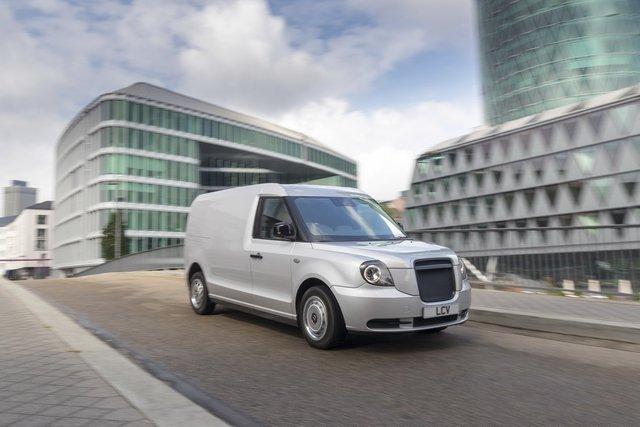 У Франкфурті показали футуристичний гібридний фургон з запасом ходу у 600 км - фото 355751