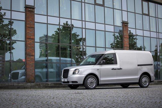 У Франкфурті показали футуристичний гібридний фургон з запасом ходу у 600 км - фото 355754