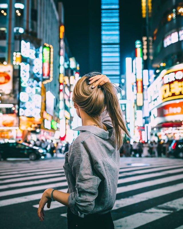 Прогулянка вулицями Токіо у яскравих фото - фото 355793