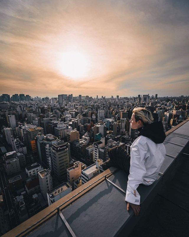 Прогулянка вулицями Токіо у яскравих фото - фото 355794