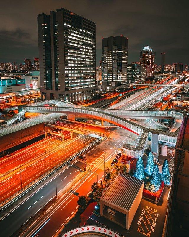 Прогулянка вулицями Токіо у яскравих фото - фото 355809