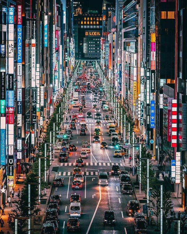 Прогулянка вулицями Токіо у яскравих фото - фото 355814