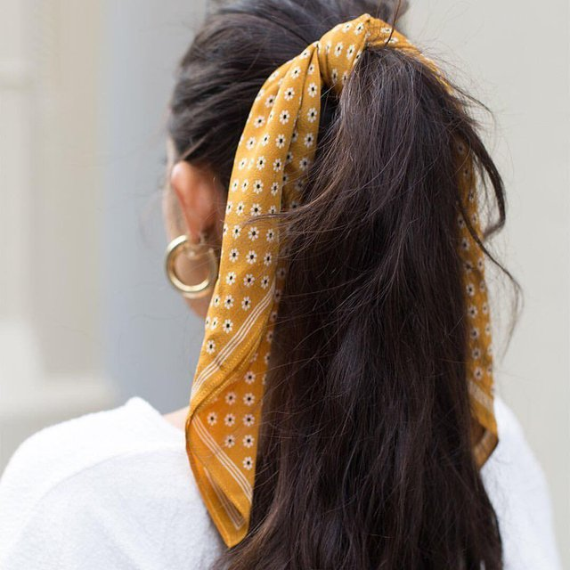 Названий наймодніший осінній аксесуар для волосся - фото 355873