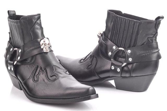 Осіннє взуття, яке зараз на піку популярності - фото 356128