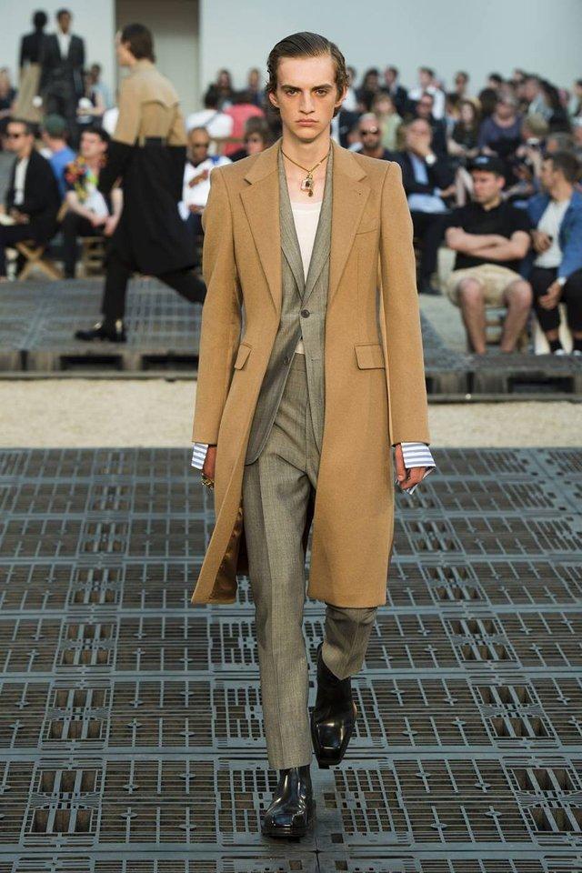 Модні чоловічі пальта осінь 2019: ТОП-5 стильних моделей - фото 356357