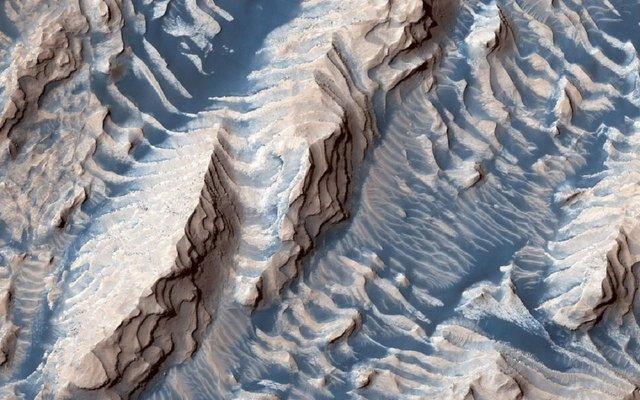 Вгадайте планету: у NASA показали незвичайне фото - фото 356490