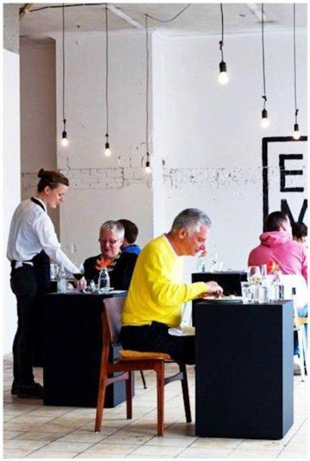 Так виглядає ресторан для любителів побути на самоті - фото 356522