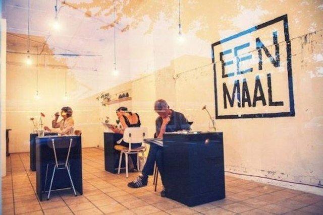 Так виглядає ресторан для любителів побути на самоті - фото 356523