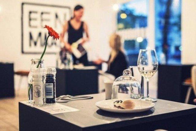 Так виглядає ресторан для любителів побути на самоті - фото 356524