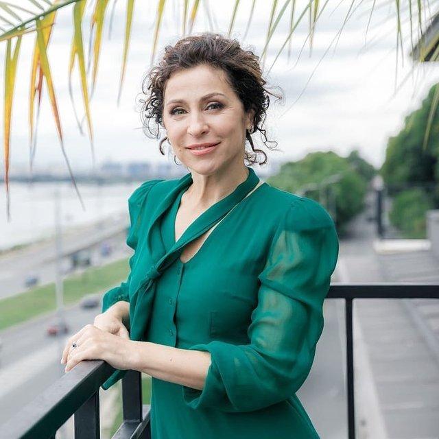 Надя Матвєєва зустрічатиме зірок на балконі - фото 356643
