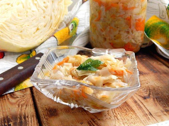 Квашена капуста на зиму: ТОП 7 швидких рецептів приготування вдома - фото 357251