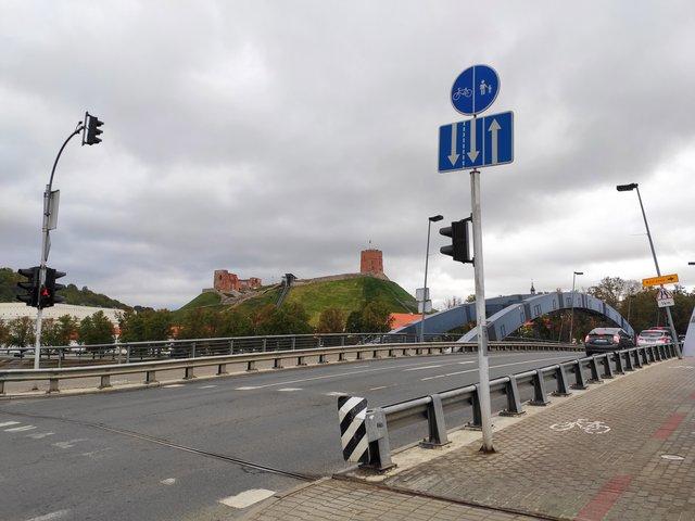 Вид на вежу з моста - фото 357258